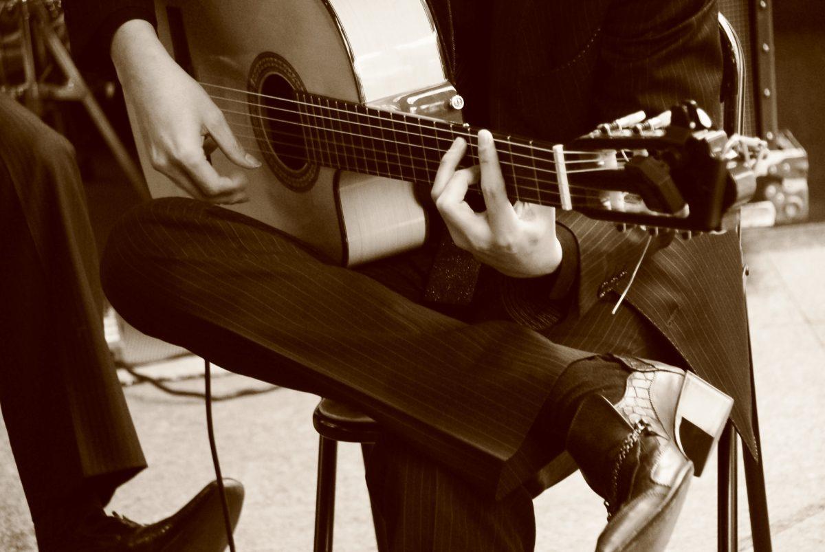 歴史とグルーヴを体感せよ!フラメンコを「バンド」として楽しむための手引
