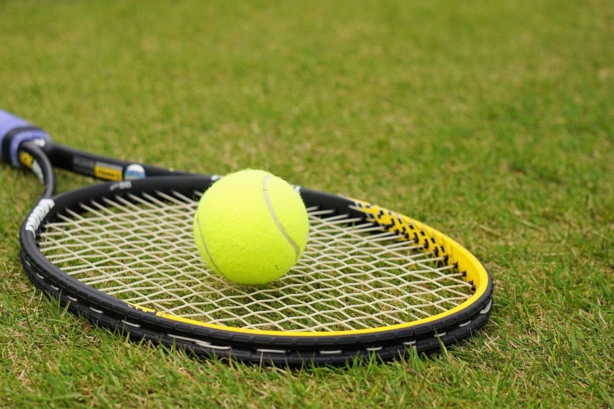 なぜ彼らはラケットを破壊するのか?テニス選手の「感情爆発」の原因を分析する