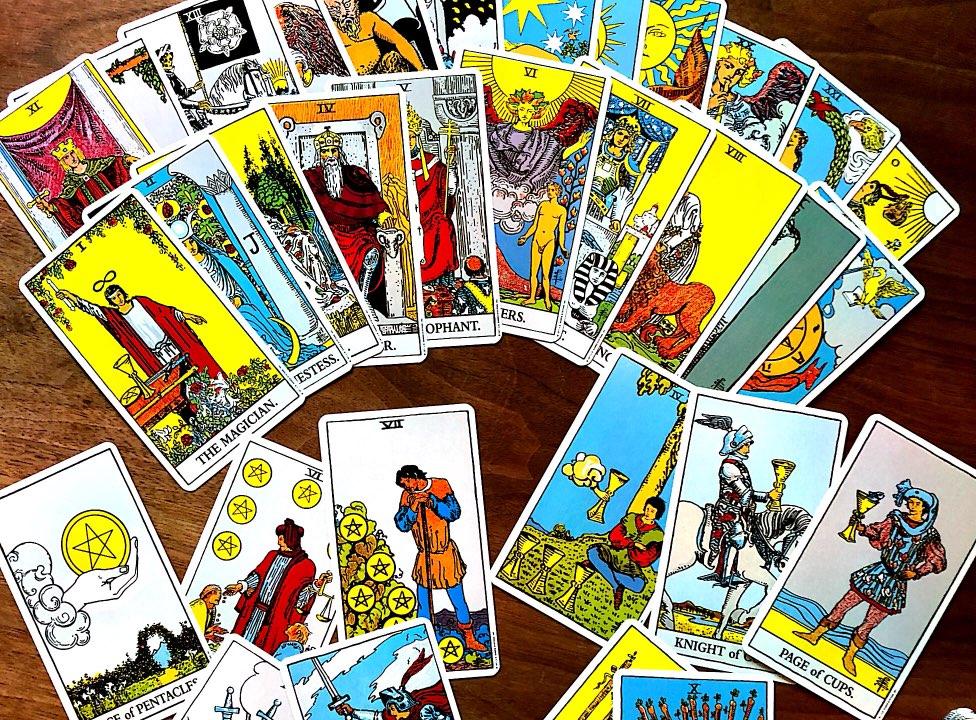 本心と未来を自ら読む!タロットカード占いで行うセルフヒーリング