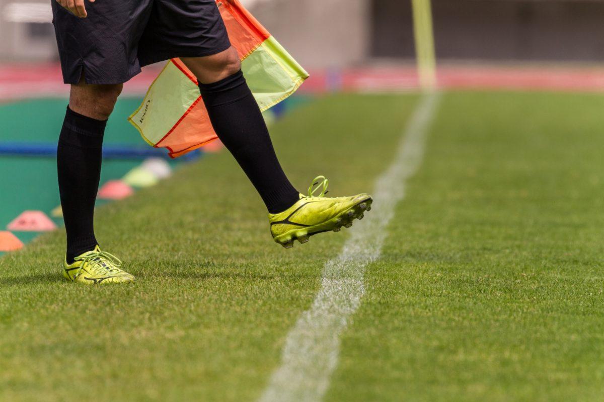 「VAR」はサッカー界に何をもたらすか。観戦者視点で考える導入のメリット・デメリット